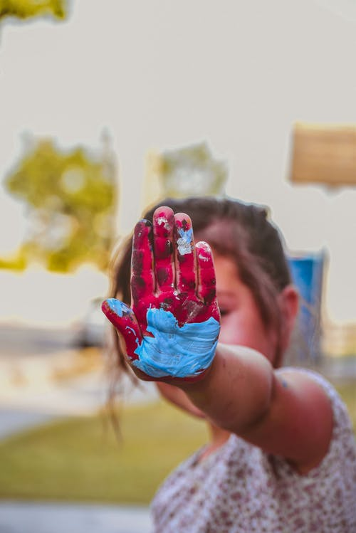 Day care hand paint crafts